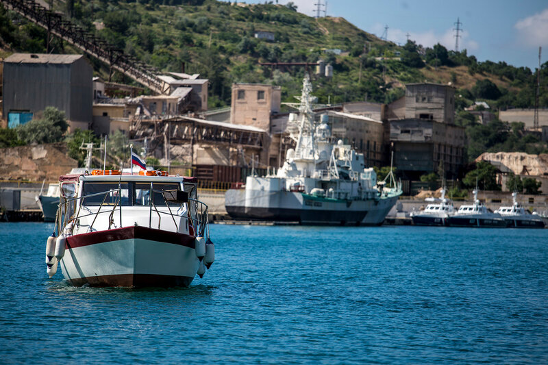 hБалаклавская бухта катер